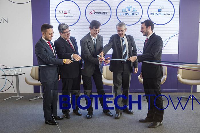 Parceiros na cerimônia de inauguração do biotechtown